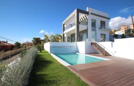Luxury 4 bedroom houses for sale in Costa Blanca. Modern villa overlooking the sea in Villajoyosa, Alicante, Spain