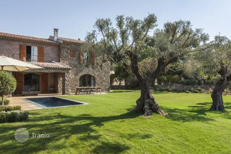 Villas and houses to rent in Gassin. Close to Saint-Tropez — Beautiful Provençal house