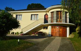 Residential for sale in Pau. Villa – Pau, Aquitaine, France