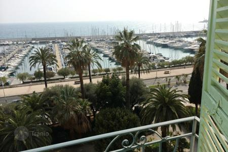 Apartments for sale in Menton. Apartment – Menton, Côte d'Azur (French Riviera), France
