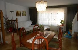 Coastal houses for sale in Costa del Maresme. House on the second line of the sea in El Masnou