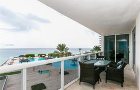Spacious apartment with ocean views in a residence on the first line of the embankment, Hallandale Beach, Florida, USA for $900,000