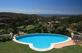 5 bedroom houses for sale in Benahavis. Villa for sale in Marbella Club Golf Resort, Benahavis
