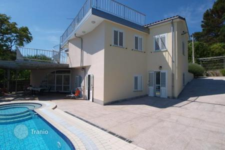 Property for sale in Obalno-Cabinet. Villa – Obalno-Cabinet, Slovenia