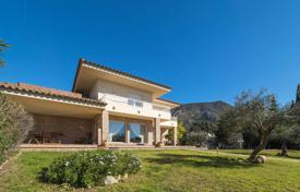 Two-storey villa with a pool and a garden, in a quiet residential area, Palau-Sabardera, Spain for 690,000 €