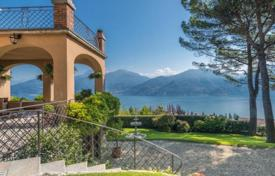 Luxury 5 bedroom houses for sale in Lombardy. Furnished villa with swimming pool and park in Menaggio, Italy