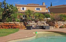 Houses with pools for sale in Faro. Stylish 4 bedroom villa with pool on large plot, near Lagos and Luz, West Algarve