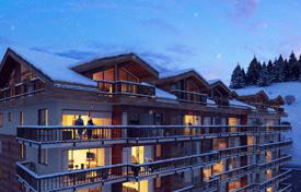Тhree-bedroom apartment in a new residence, Moriond, Courchevel, France for 1,750,000 €