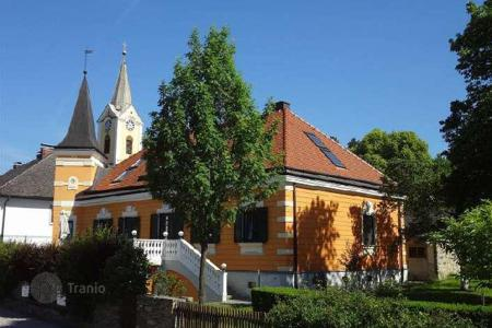 Property for sale in Lower Austria. Beautiful villa on the banks of the Danube in Persenbeug