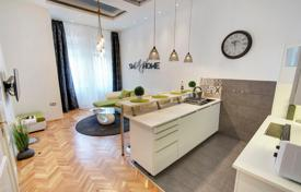 Renovated apartment in a historic building, in the VII district — Erzsebetváros, Budapest, Hungary for 279,000 $