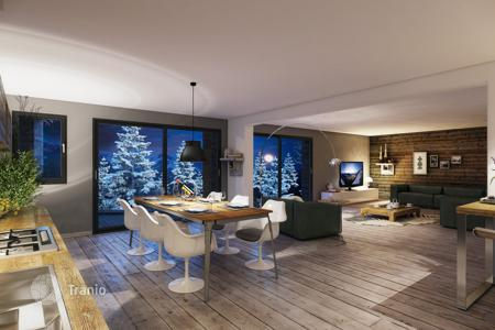 3 bedroom apartments for sale in Auvergne-Rhône-Alpes. Modern apartment in new residential complex in a popular ski resort La Tania, French Alps, France