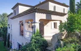 Houses for sale overseas. New villa with a pool, a garden, a garage and sea views, close to the beach, Biot, France