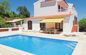 2 bedroom houses for sale in Faro. South Facing Villa with Private Pool, Sea Views, Paderne near Bolqueime