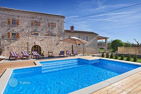Villas and houses to rent in Žminj. Detached house – Žminj, Istria County, Croatia
