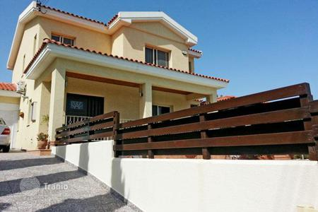 Houses with pools for sale in Episkopi. Villa - Episkopi, Limassol, Cyprus