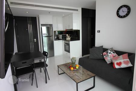 1 bedroom apartments to rent overseas. New apartments with panoramic sea views in a skyscraper, Pattaya, Pratamnak area