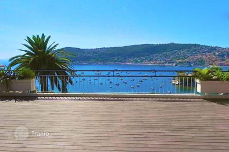 Luxury residential for sale in Saint-Jean-Cap-Ferrat. Penthouse with panoramic sea view at the entrance of Cap Ferrat