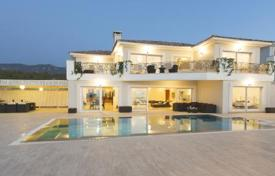 Houses for sale in Esentepe. Modern villa at walking distance from the sandy beach in Esentepe