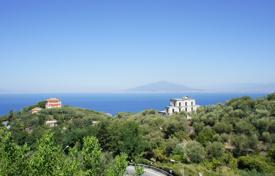 Villa with a pool overlooking the Gulf of Naples and Vesuvius, surrounded by a park, Priora, Italy for 900,000 €