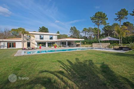 Luxury houses for sale in Roquefort-les-Pins. Cannes backcountry — Contemporary dream villa