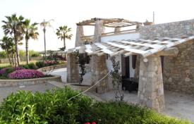 Houses for sale in Apulia. Prestigious villa 100 meters from the beach, Salve, Italy