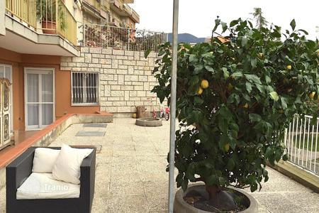 Property for sale in Province of Imperia. Spacious apartment with large terrace
