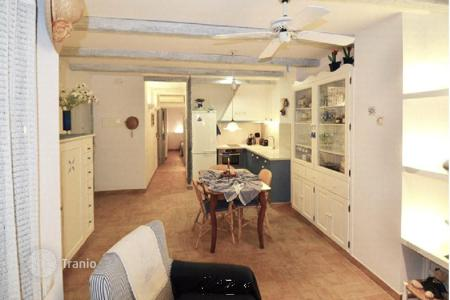 Apartments for sale in Sant Pol de Mar. Apartment in front of the sea in Sant Pol de Mar
