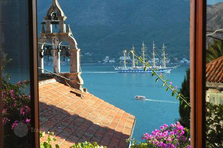 Coastal property for sale in Kotor. Apartment – Perast, Kotor, Montenegro