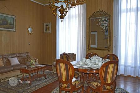 Coastal houses for sale in Vallecrosia. Historic villa with a hammam, near the beaches, Vallecrosia, Italy