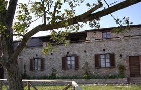 Luxury houses for sale in Umbria. Farm near Orvieto