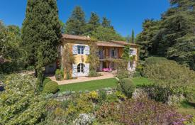 6 bedroom houses for sale in Provence - Alpes - Cote d'Azur. Cannes backcountry — Remarkable gardens
