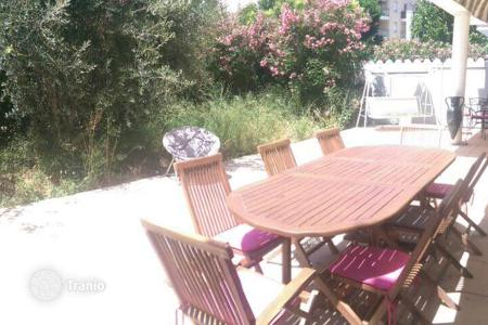 Property for sale in Marseille. Lovely apartment with private garden