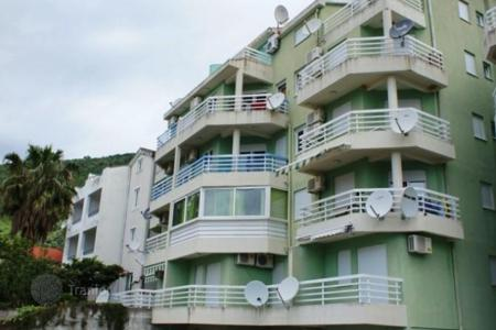Coastal property for sale in Petrovac. Apartment near the beach in Petrovac