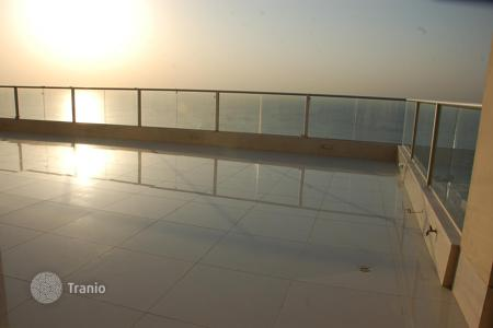Apartments with pools for sale in Israel. Apartment – Netanya, Center District, Israel