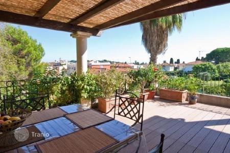 Residential for sale in Saint-Jean-Cap-Ferrat. Apartment – Saint-Jean-Cap-Ferrat, Côte d'Azur (French Riviera), France
