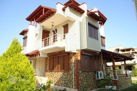6 bedroom houses by the sea for sale overseas. Modern villa with a balcony near to the sea, in a gated community, Mavikent, Antalya, Turkey