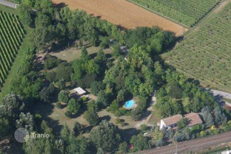 Residential for sale in San Valentino. Perfect for privacy and horses