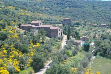 Property to rent in Umbria. Villa - Passignano Sul Trasimeno, Umbria, Italy