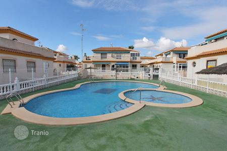 Cheap chalets for sale in Europe. Orihuela Costa, Playa Flamenca. Townhouse-duplex of 68 m² built with 106 m² plot