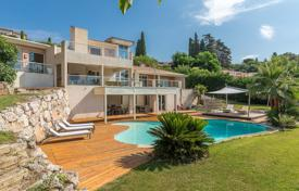Luxury 6 bedroom houses for sale in Nice. Nice Gairaut — Architect's villa