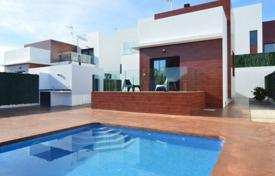 Chalets for sale in Benidorm. Detached Villa — Benidorm