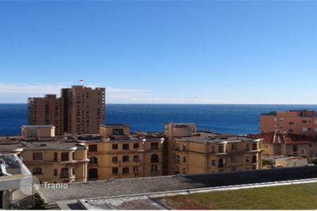 "Cheap property for sale in Beausoleil. 2-bedroom apartment with sea view just 5-minutes walk from the ""Carré d'Or"" in Monaco"