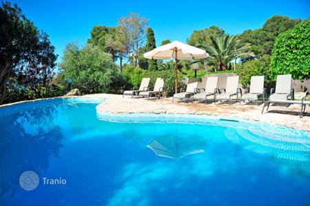 5 bedroom villas and houses to rent in Majorca (Mallorca). Villa – Majorca (Mallorca), Spain