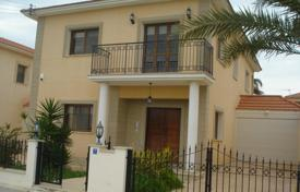 4 bedroom houses by the sea for sale in Pyla. Four Bedroom Detached House with Title Deeds