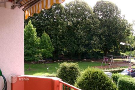 Cheap 1 bedroom apartments for sale in Hessen. Apartment with views of the park, close to river Nidda in Rödelheim, Frankfurt. Possible rental income of 780 euro per month
