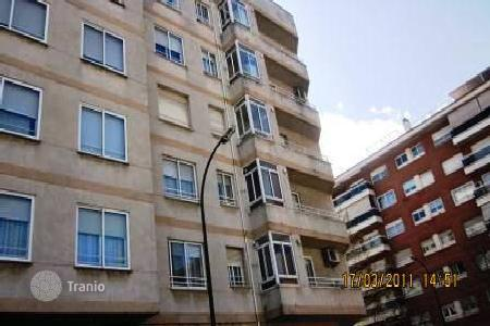 Cheap 3 bedroom apartments for sale in Reus. Apartment - Reus, Catalonia, Spain