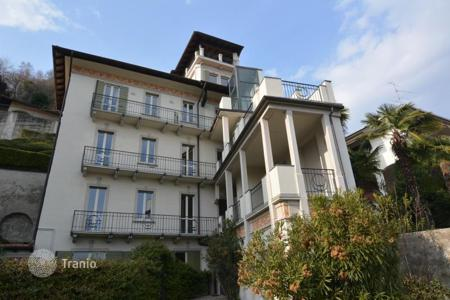 2 bedroom apartments for sale in Piedmont. Apartment – Lesa, Piedmont, Italy