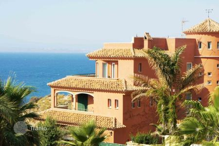 Luxury 5 bedroom houses for sale in Alicante. Villa - Alicante, Valencia, Spain