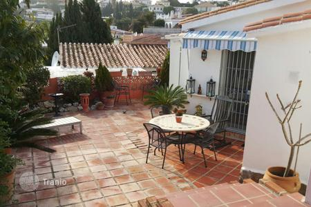 2 bedroom houses by the sea for sale in Andalusia. Villa – Fuengirola, Andalusia, Spain