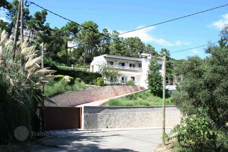 4 bedroom houses for sale in Costa Brava. Beautiful villa in Lloret Blau
